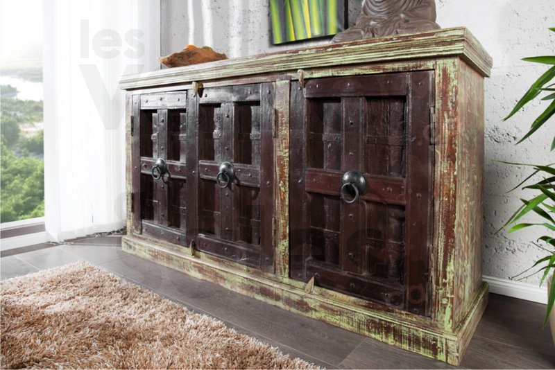 Vente d 39 entrep t mobilier exotique 70 for Entrepot meuble
